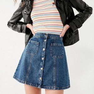 Denim mini skirt with button front